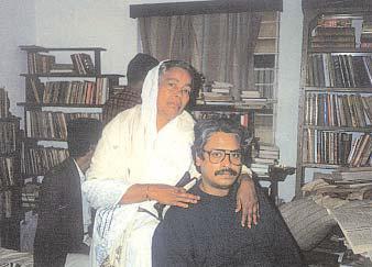 কলকাতায় মা'য়ের সাথে কবি